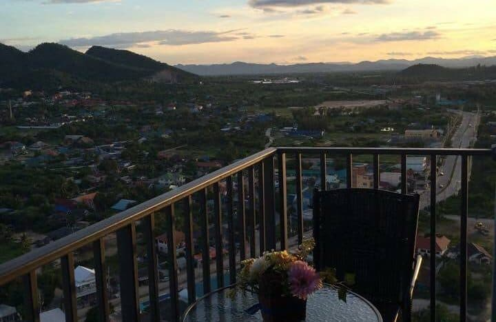 Hua Hin 2-Bed Condo For Sale On 26th Floor Baan Kiang Fah